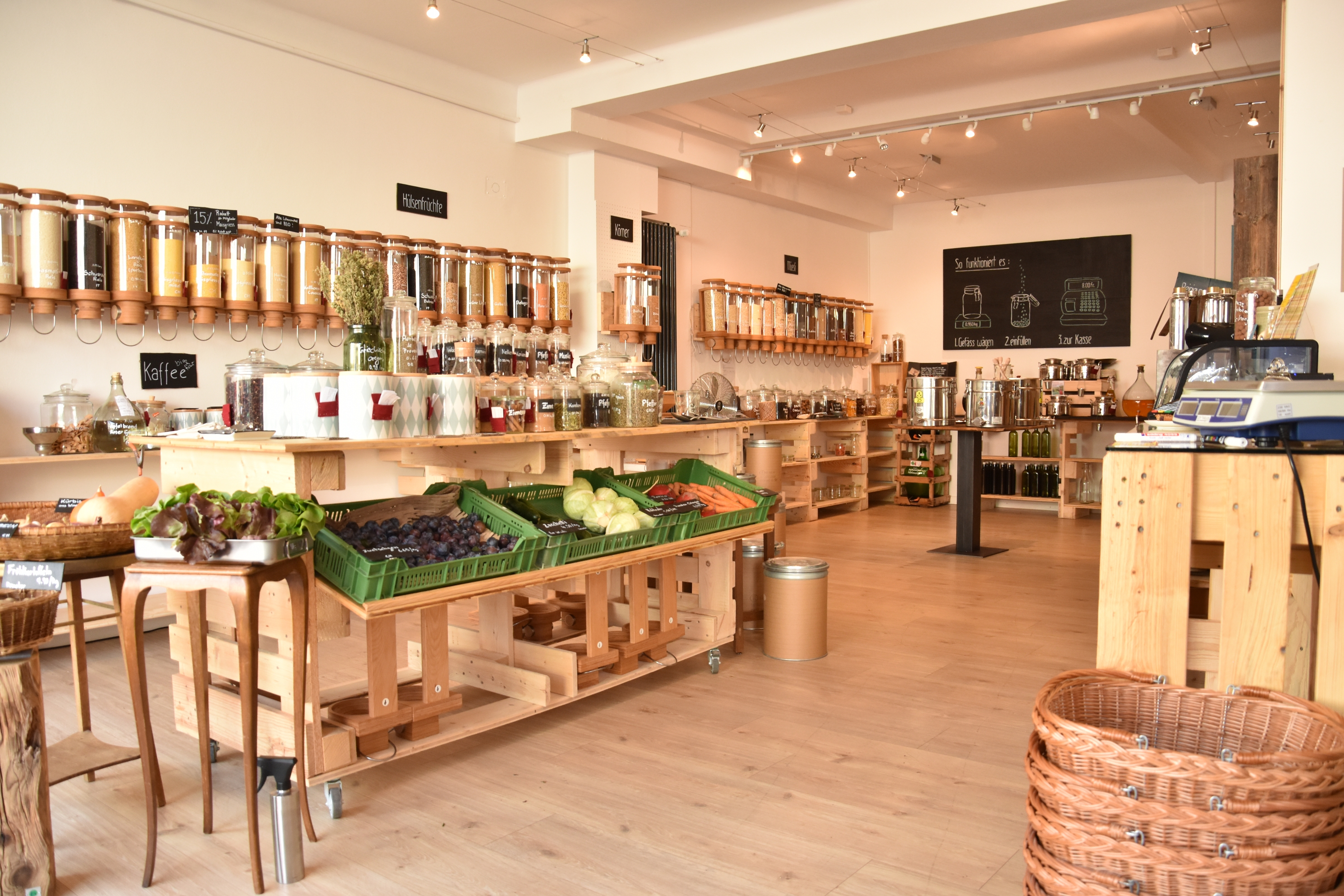 14072edfa The store offers package-free, organically produced foods, organic cleaning  products, natural cosmetics and zero-waste gadgets.