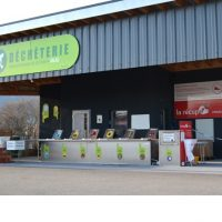 A reuse zone in Neuchatel's waste centres